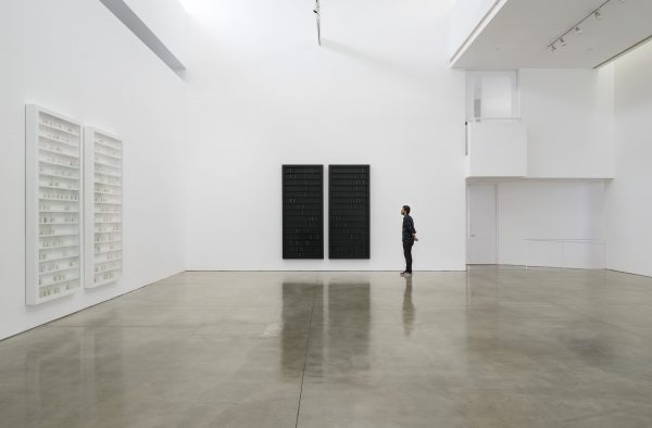 Lichtzwang, black milk, installation view